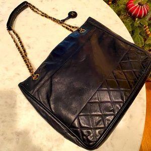 Vintage CHANEL tote bag (S500)
